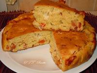 Focaccia ad impasto molle con speck, mozzarella e pomodorini