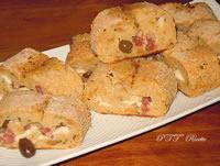 Polpettone di pane con salsiccia e provolone