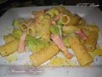Rigatoni con broccoli e pancetta
