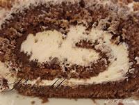 Rotolo al cioccolato con Nutella e panna