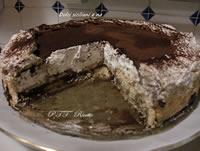 Torta di biscotti con cioccolato, panna e mascarpone
