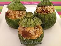 Zucchine ripiene di riso e salamelle