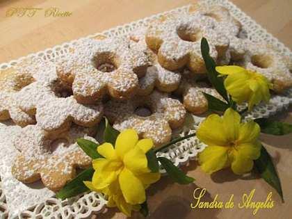 Cornetti di pasta sfoglia ptt ricette - Calorie uva bianca da tavola ...