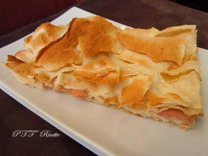 Focaccia di pane carasau con mortadella e mozzarella
