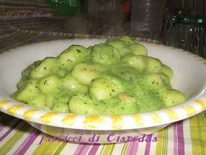 min-gnocchi-con-crema-di-zucchine.jpg