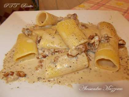 Paccheri con gorgonzola e noci