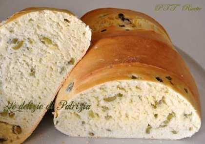 min-pagnotta-alle-olive.jpg