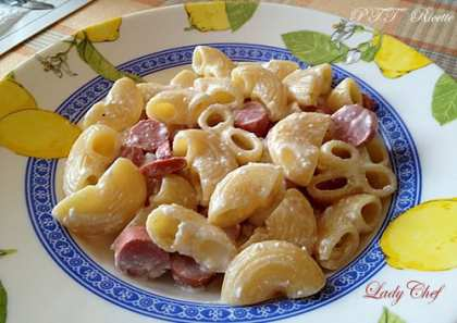 min-pasta-al-sugo-di-yogurt-e-wurstel.jpg
