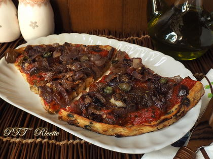 Pizza di cavolfiore alle cipolle (pizza senza glutine)