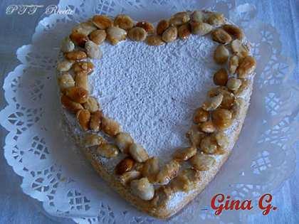 min-torta-cuore-con-le-mandorle.jpg