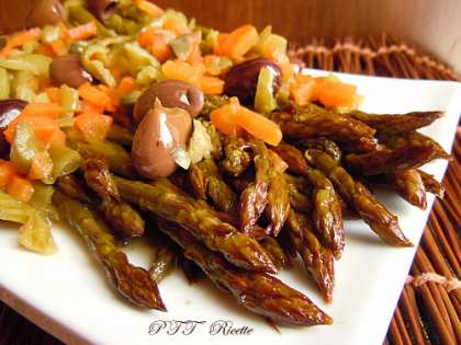 Asparagi in padella con carote