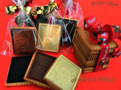 Biscotti al burro e miele con placchette di cioccolato