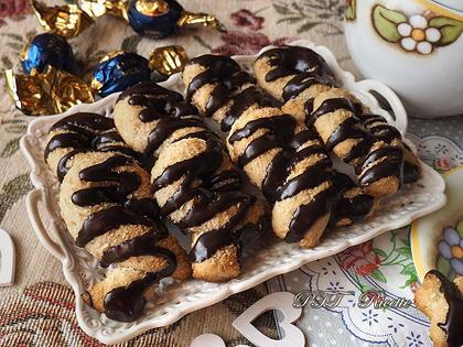 Biscotti al vino con zenzero e cioccolato