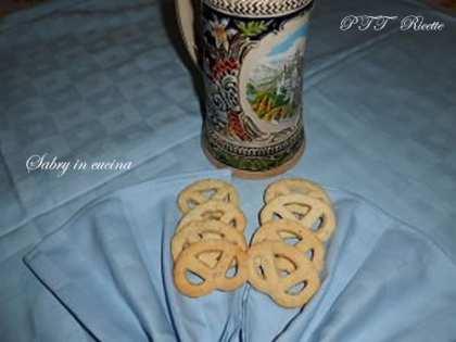 Biscotti alla birra senza uova né burro
