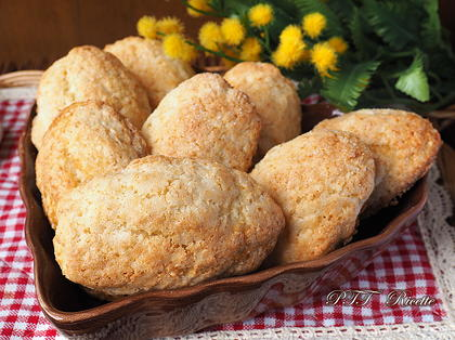 Biscotti alla ricotta, cocco e zenzero