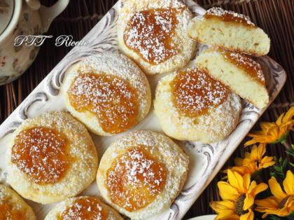 Biscotti alla ricotta con confettura di fichi