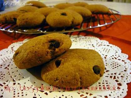 Biscotti di farro all'arancia e cioccolato