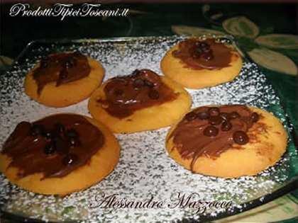 Biscotti di frolla con Nutella e gocce di cioccolato