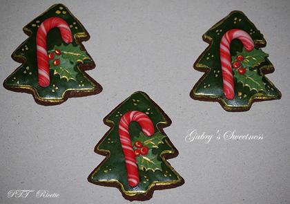 Biscotti di Natale di pasta frolla all'olio