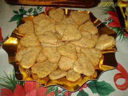 Biscotti formaggio e noci
