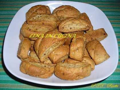 Biscotti piccanti con semi di finocchietto