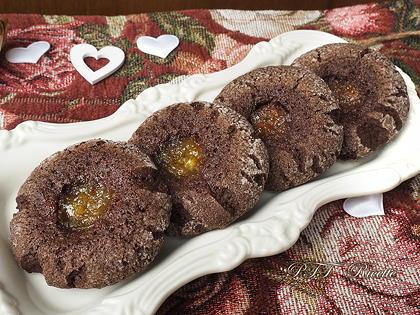 Biscotti senza glutine al cacao con marmellata