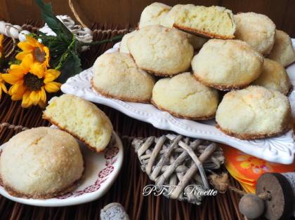 Biscotti teneri al cocco e ricotta