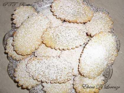 Bocconotti con crema alle mandorle e cioccolato bianco