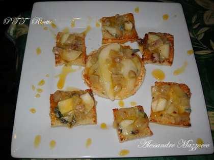 Bruschette formaggi e pere