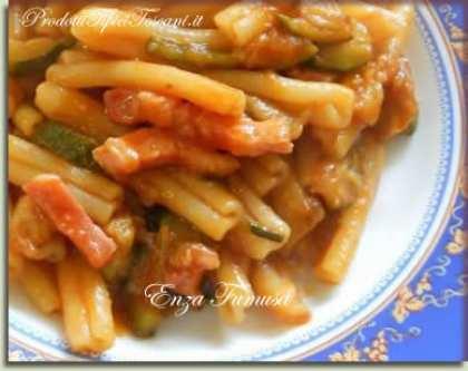 Caserecce con zucchine, melanzane e pancetta