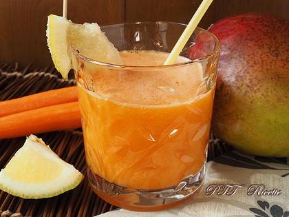 Centrifugato di mango e carota