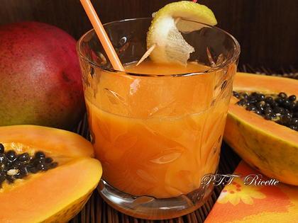 Centrifugato di mango e papaya
