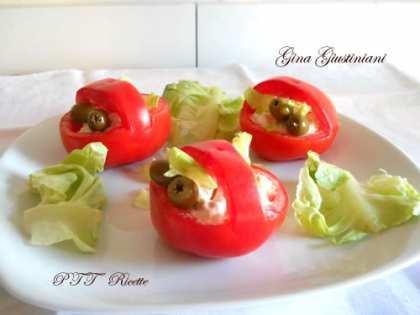 Cestini di pomodori con insalata russa