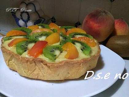 Cestino di frolla con crema pasticcera e frutta