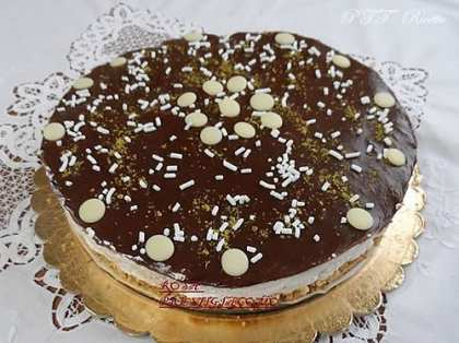 Cheesecake black and white