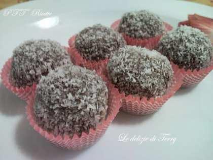 Cioccolatini tipo Raffaello al cioccolato