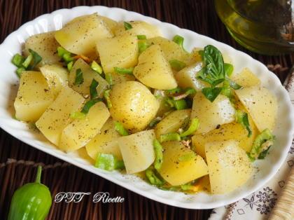 Contorno di Patate con peperoncini verdi dolci e piccanti