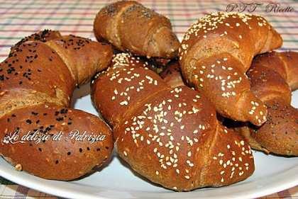 Cornetti di pane ai 7 cereali e malto d'orzo