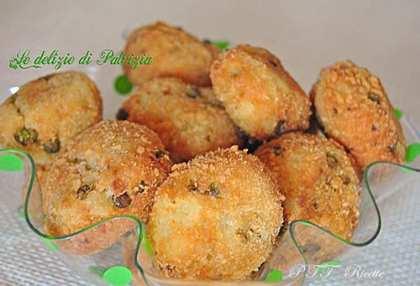 Crocchette di patate, piselli e menta