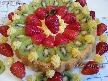 Crostata alla frutta con base soffice