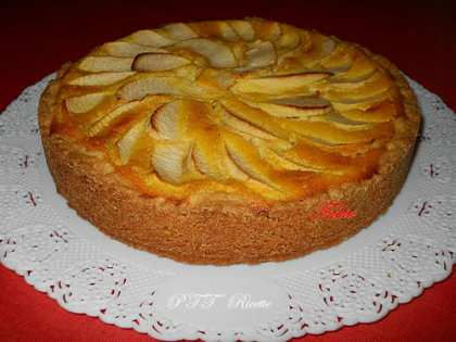 Crostata con crema di ricotta e mele