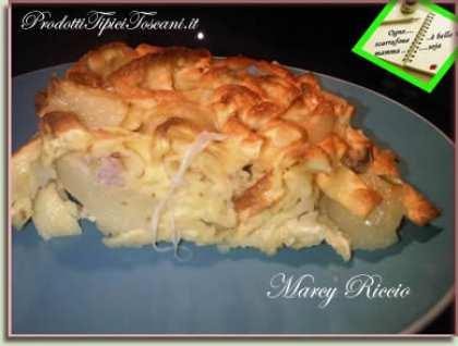 Crostata di tagliatelle con patate, provola, speck