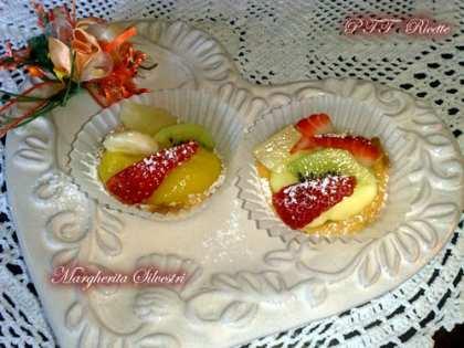 Crostatine di frutta con crema pasticcera e lemon curd