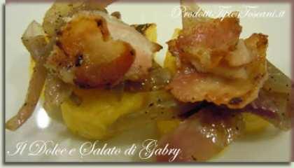 Cuori di polenta con cipolle di Tropea e pancetta