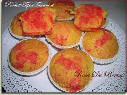 Cupcake al limone con cuore di pasta di fragola