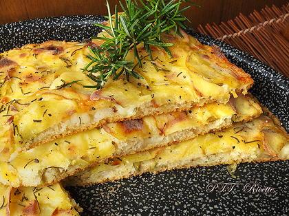 Focaccia di semola con patate soffice e velocissima