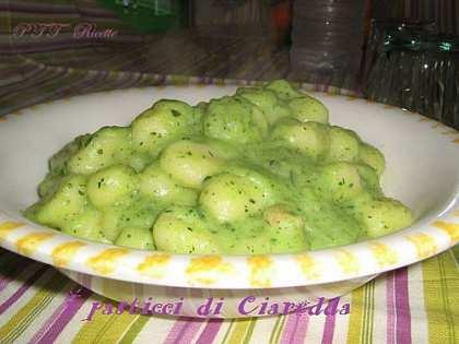 Gnocchi con crema di zucchine
