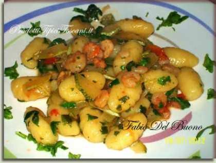 Gnocchi con gamberetti, zucchine e rucola