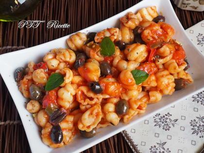 Gnocchi napoletani piccanti con pomodoro e olive