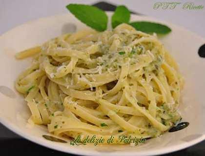 Linguine con pesto alle zucchine